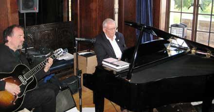 Dingle piano